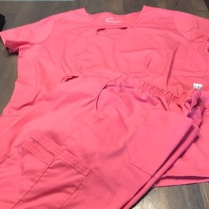 UA scrub set in coral